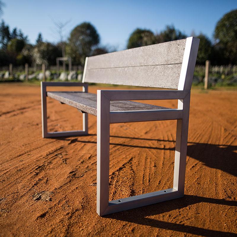 Espace Créatic - Mobilier Urbain - Banc BARCELONE en matériau recyclé 100% recyclable
