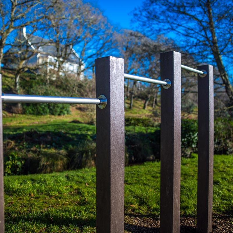 Espace Créatic - Parcours Sportifs - Barres Fixes en matériau recyclé 100% recyclables