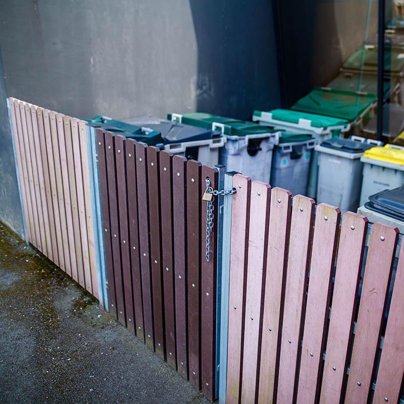 Espace Créatic - Espace Vert - Cache Conteneur Mixte Métal Ajouré en matériau recyclé 100% recyclable