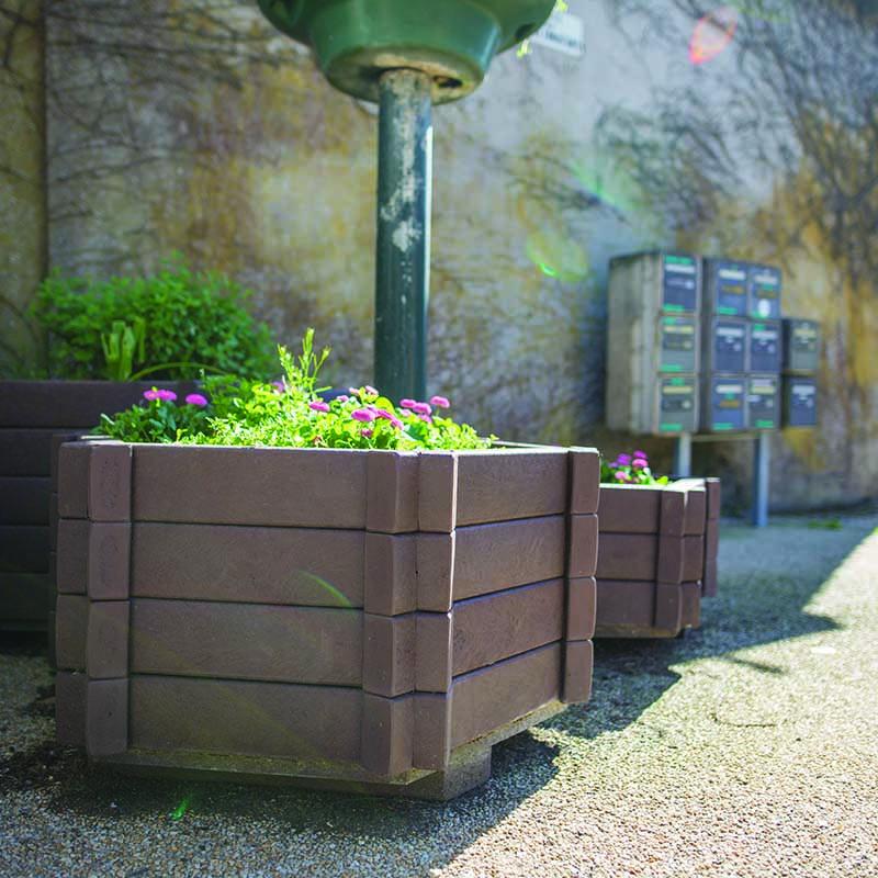 Espace Créatic - Espace Vert - Jardinière FLORA en matériau recyclé 100% recyclable