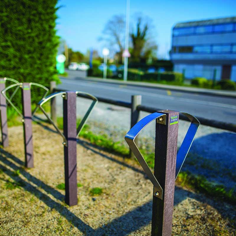 Espace Créatic - Espace Vert - Porte Vélos ARC en matériau recyclé 100% recyclable
