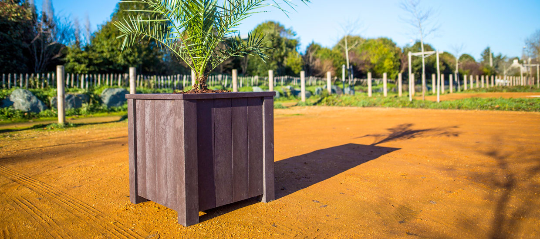 Espace Créatic - Espace Vert - Jardinière en matériau recyclé 100% recyclable